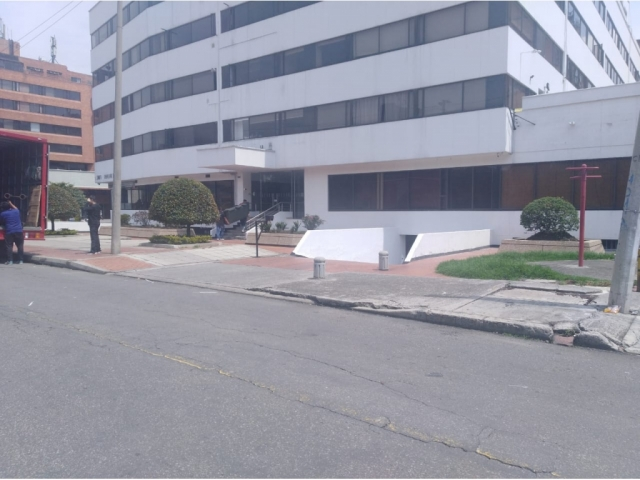 apartamento venta santa barbara carrera 15 con calle 112 cuarto piso (2)